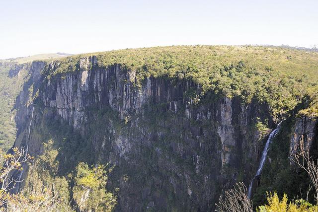 picture of mutarazi falls zimbabwe