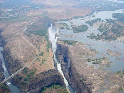 victoria falls low water flow